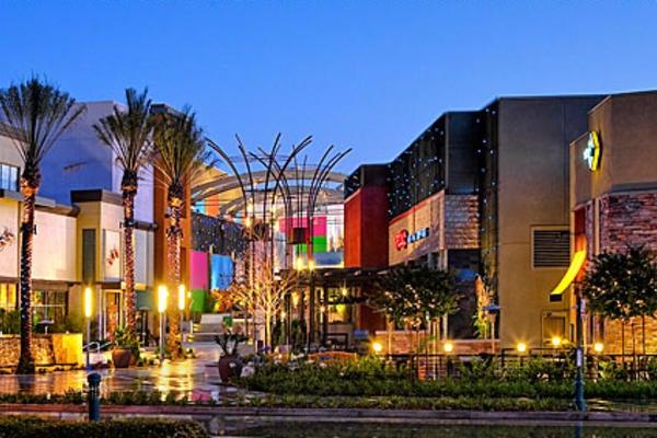 Garden Walk Mall Anaheim: Fashion Show Mall-Expansion