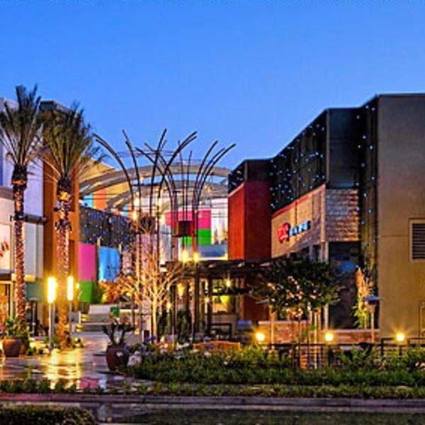 Garden Walk Mall Anaheim: Retail