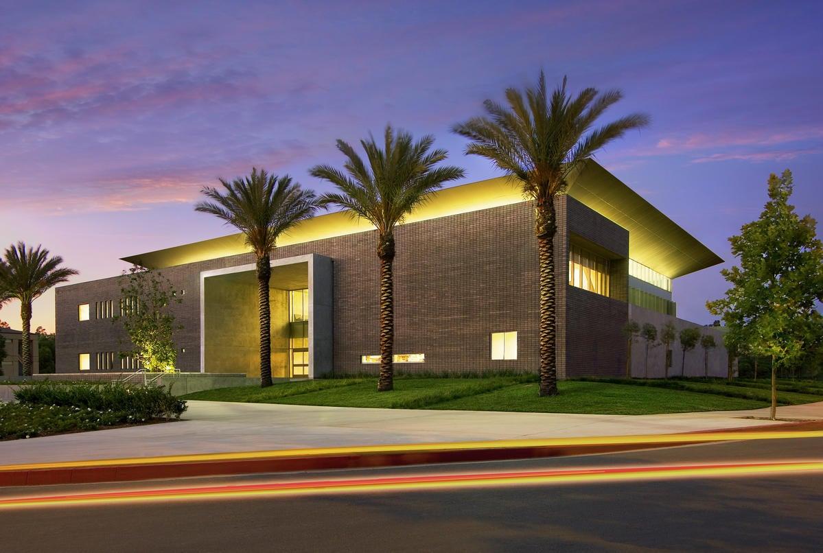 Rancho Santiago Canyon College-Trustees Hall & Lea   TK1SC